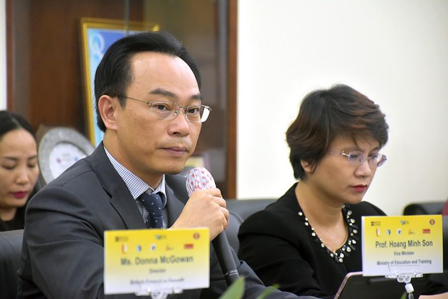 Thứ trưởng Bộ GD&ĐT Hoàng Minh Sơn phát biểu tại Hội thảo.