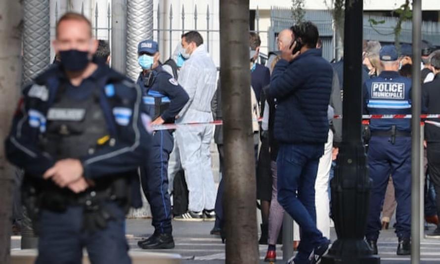 Đâm dao tại nhà thờ ở Pháp, 3 người chết