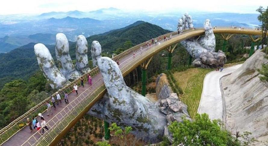 Không có khách quốc tế, du lịch Việt Nam chỉ còn hoạt động du lịch trong nước. Nhưng thị trường du lịch nội địa cũng bị ảnh hưởng bởi các đợt giãn cách xã hội khi dịch bùng phát. (Ảnh minh họa).