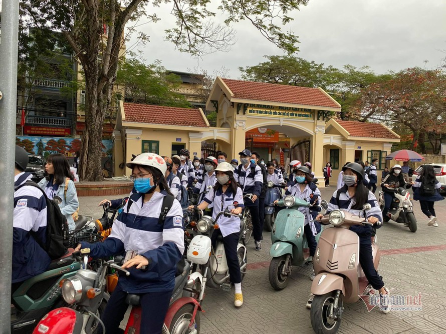 Hải Phòng: Học sinh quay trở lại trường sau kỳ nghỉ chống dịch COVID-19