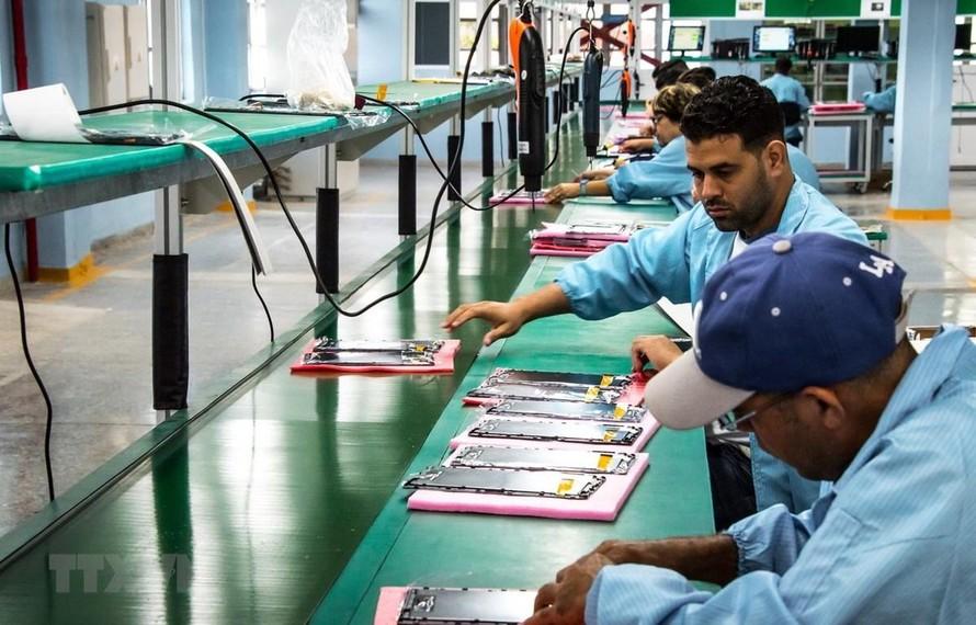 Một nhà máy lắp ráp điện tử của Cuba tại thủ đô La Habana. (Ảnh minh họa)