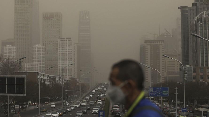 Ô nhiễm không khí là nguy cơ xấu đối với sức khỏe con người, gây hậu quả nặng nề. (Ảnh minh hoạ)
