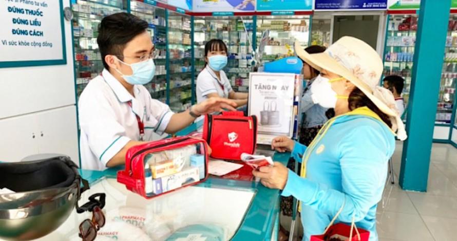 Hà Nam nghiêm cấm các cơ sở kinh doanh thuốc bán thuốc kháng sinh, thuốc hạ sốt, trị ho, sổ mũi, cảm cúm… cho người không có đơn thuốc của bác sỹ. (Ảnh minh hoạ).