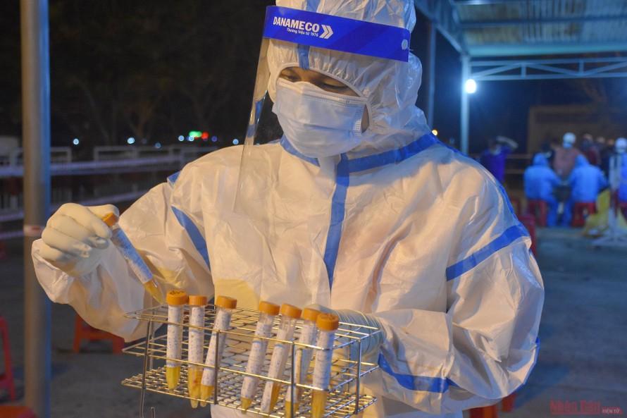 Bộ Y tế: Điều động thêm gần 1.000 nhân lực y tế hỗ trợ Bắc Giang