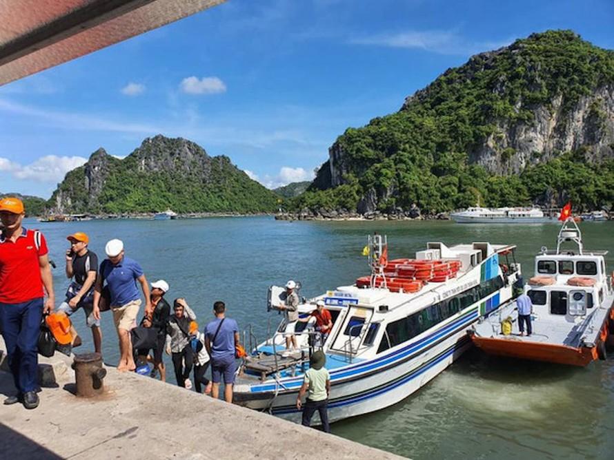 Quảng Ninh: Xét nghiệm SARS-CoV-2 cho người lao động ở các điểm du lịch
