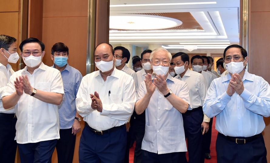 Chính phủ khóa XV họp phiên toàn thể đầu tiên