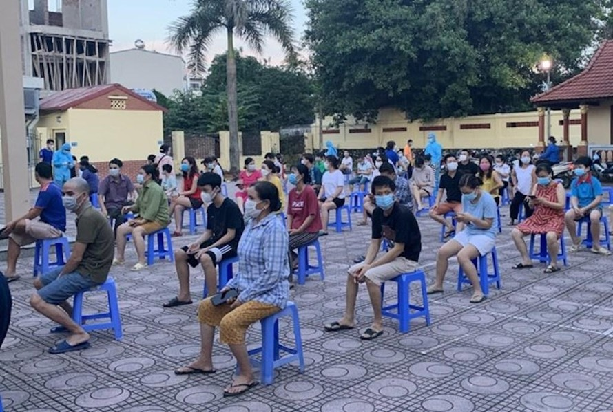 Hà Nội khẩn trương xét nghiệm người liên quan chùm ca bệnh COVID-19 phường Việt Hưng (quận Long Biên).