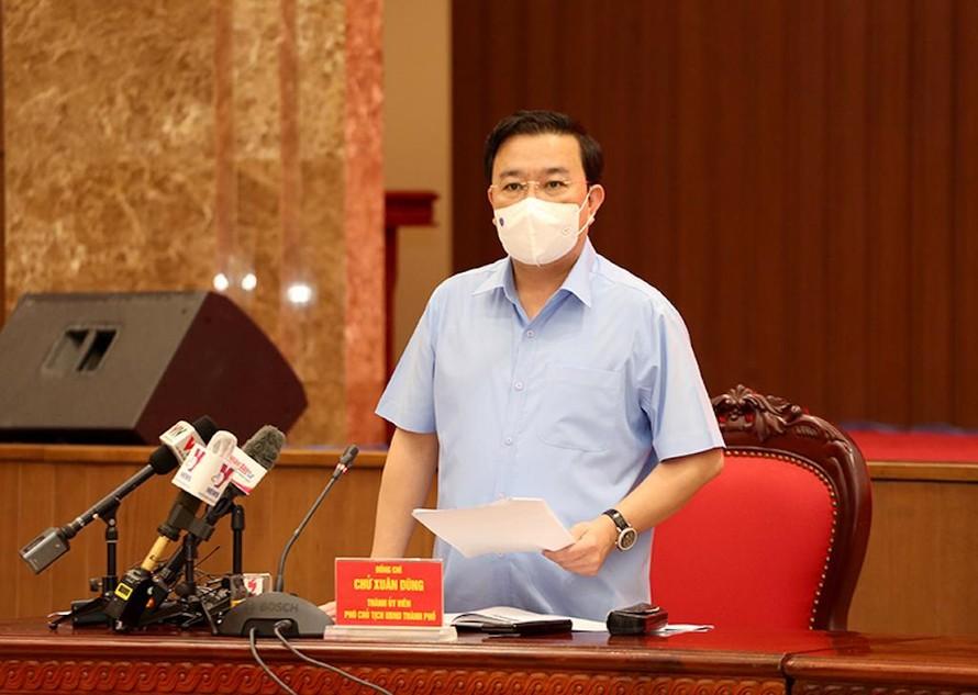 Ồng Chử Xuân Dũng - Phó Chủ tịch UBND TP. Hà Nội thông tin tại hội nghị.