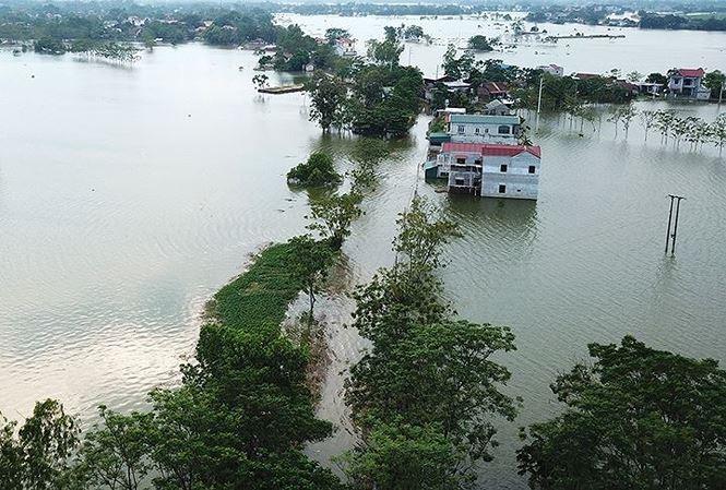Hà Nội nguy cơ ngập lụt do mưa lớn trong những ngày tới (Ảnh: Mạnh Thắng)