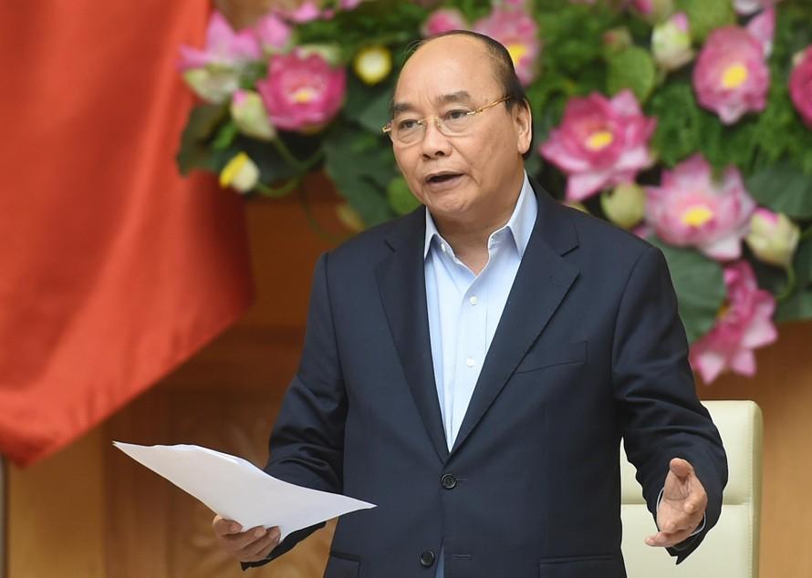 Thủ tướng Nguyễn Xuân Phúc chủ trì cuộc họp Thường trực Chính phủ về các dự án chậm tiến độ, kém hiệu quả của ngành công thương. Ảnh: VGP/Quang Hiếu