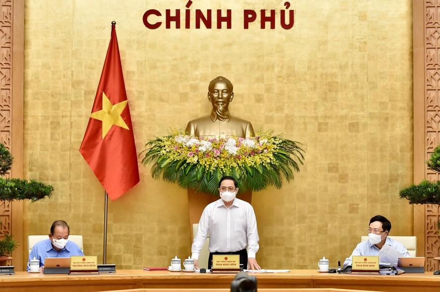 Thủ tướng Phạm Minh Chính phát biểu khai mạc phiên họp Chính phủ thường kỳ tháng 4/2021. Ảnh: VGP/Nhật Bắc
