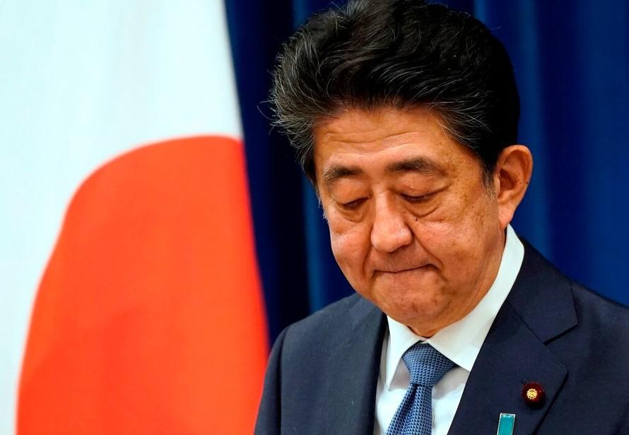Ông Abe Shinzo công bố quyết định từ chức hôm 29/8. (Ảnh: New York Times)