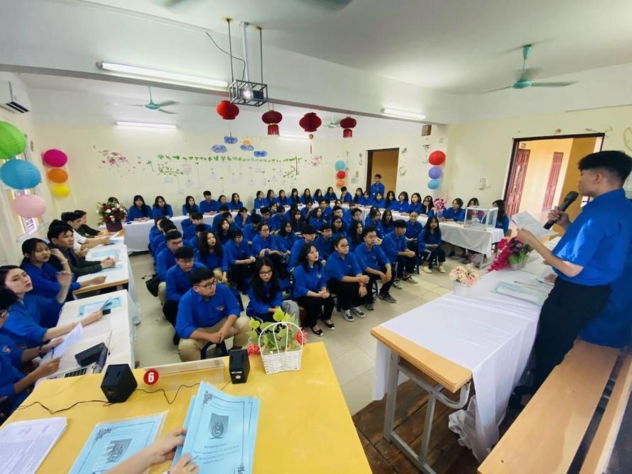 Một buổi toạ đàm của đoàn trường THPT Huỳnh Thúc Kháng, Hà Nội. Ảnh: LV/TTXVN