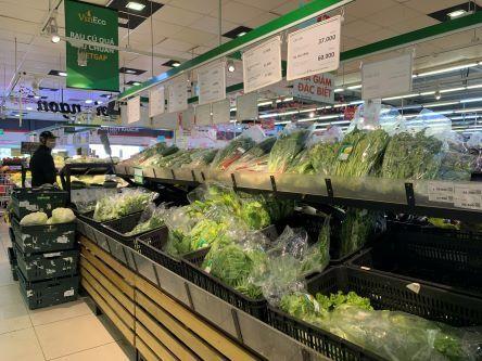 Các trung tâm thương mại, siêu thị lớn đã giúp tiêu thụ nông sản cho bà con nông dân vùng dịch. Ảnh: H.T