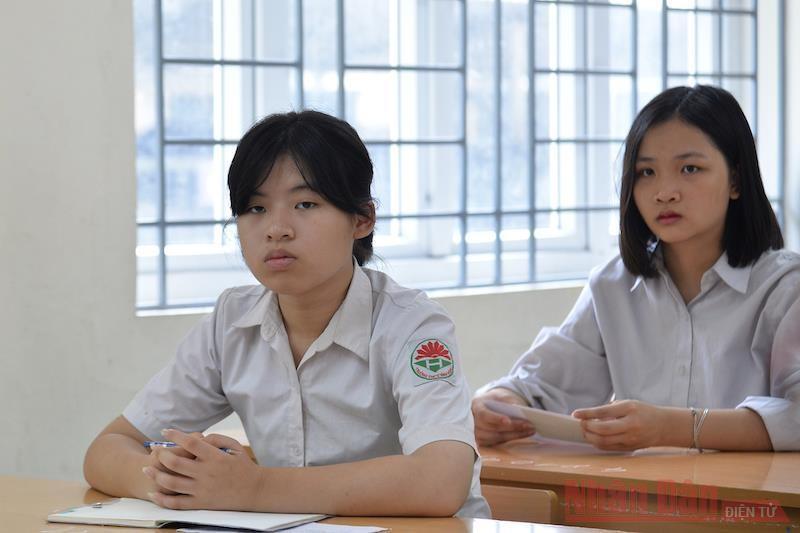 Thí sinh tại kỳ thi vào lớp 10 THPT Hà Nội năm học 2020-2021 (Ảnh: THUỶ NGUYÊN/Nhân Dân)
