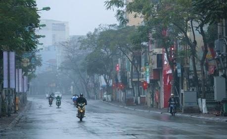 Không khí lạnh ảnh hưởng, Hà Nội và các tỉnh ở khu vực Bắc Bộ, Thanh Hóa, Nghệ An, Hà Tĩnh có mưa, nhiệt độ giảm nhẹ. (Ảnh minh họa)