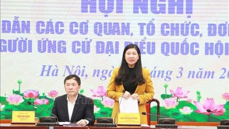 Chủ tịch Ủy ban Mặt trận Tổ quốc Việt Nam thành phố Hà Nội Nguyễn Lan Hương phát biểu tại Hội nghị. (Ảnh: Pháp luật Việt Nam)