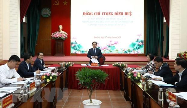 Bí thư Thành ủy Hà Nội Vương Đình Huệ phát biểu tại cuộc họp. (Ảnh: Văn Điệp/TTXVN)