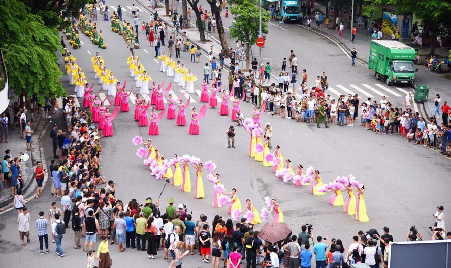 Ngành du lịch Hà Nội đang gấp rút chuẩn bị các điều kiện, trong đó tập trung vào xây dựng các sản phẩm du lịch hấp dẫn để thu hút khách đến với Thủ đô. (Ảnh minh hoạ)