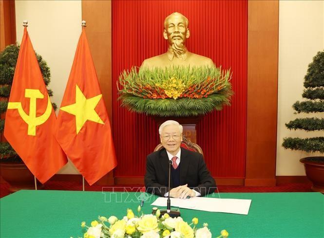 Tổng Bí thư, Chủ tịch nước Nguyễn Phú Trọng điện đàm với Thủ tướng Nhật Bản Suga Yoshihide. Ảnh: Trí Dũng/TTXVN
