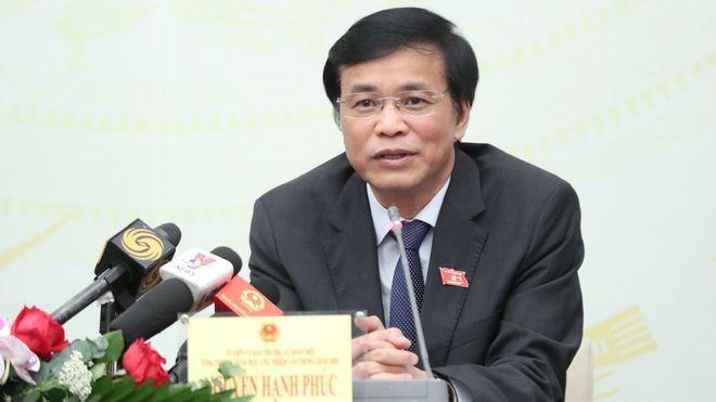 Tổng thư ký Quốc hội Nguyễn Hạnh Phúc trả lời tại họp báo. ẢNH: GIA HÂN