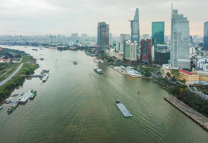 Sông Sài Gòn đoạn chảy qua trung tâm TP HCM năm 2020. Ảnh: Quỳnh Trần.