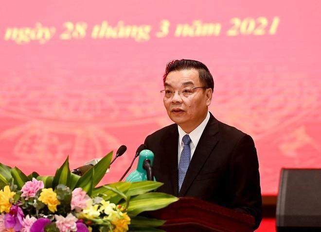 Chủ tịch UBND TP Hà Nội Chu Ngọc Anh báo cáo tại buổi làm việc. (Ảnh: An ninh Thủ đô)