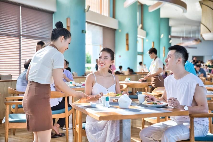 Du lịch nội địa sẵn sàng bùng nổ trở lại, du khách Việt hào hứng 'sống bù'