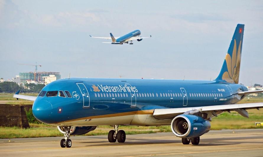 Dự kiến lỗ 2 quý đầu năm 2021 gần 10.000 tỷ đồng, Vietnam Airlines đang đứng trên bờ vực phá sản. (Ảnh: 24h.com.vn)