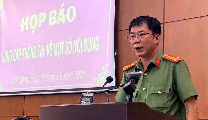 Đại tá Hồ Quang Thắng phát biểu tại buổi họp báo. (Ảnh: Thanh Niên)