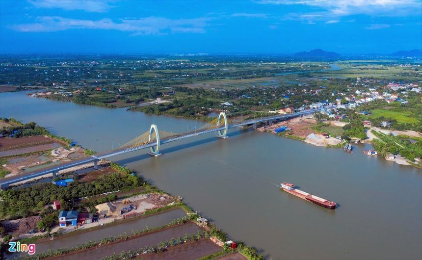 Cầu Quang Thanh dự kiến sẽ được thông xe vào cuối tháng 6. (Ảnh: Zing)