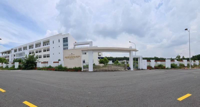 Bệnh viện dã chiến điều trị COVID-19 được thành lập với quy mô 200 giường. Ảnh: PLO