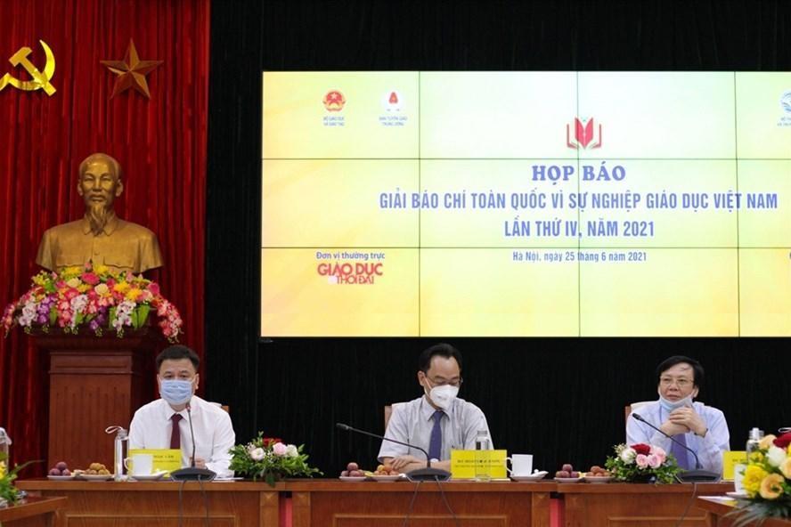 """Họp báo giới thiệu Giải báo chí toàn quốc """"Vì sự nghiệp giáo dục Việt Nam"""" năm 2021. (Ảnh: Lao Động)"""