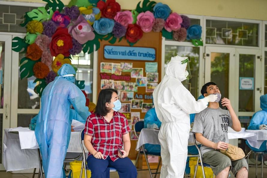 Hà Nội thực hiện 7 ngày cao điểm xét nghiệm diện rộng 300.000 người