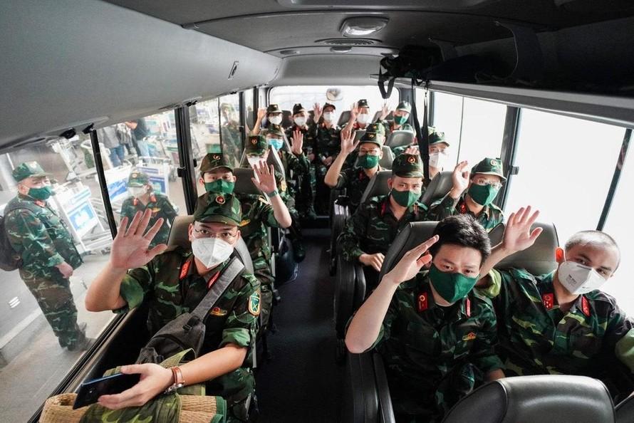 Lực lượng bác sĩ quân y được điều động vào TP.HCM để hỗ trợ người dân. Ảnh: VOV