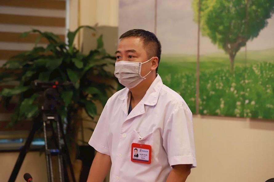 PGS.TS Nguyễn Lân Hiếu, Giám đốc Trung tâm Hồi sức tích cực bệnh nhân COVID-19 Bình Dương (Ảnh: Vietnamnet)