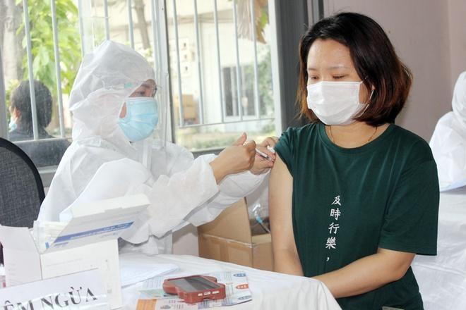 Đồng Nai tiêm vaccine ngừa Covid-19 cho người lao động. Ảnh: CDC Đồng Nai.