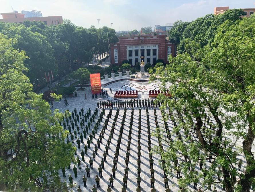 Lễ xuất quân của Học viện An ninh nhân dân, sáng 6/9. Ảnh: Vietnamnet
