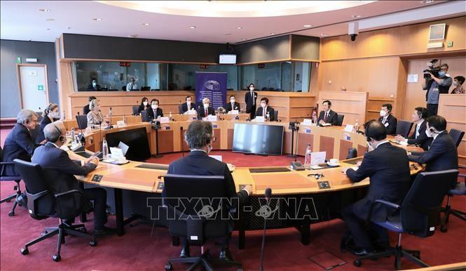 Quang cảnh hội đàm giữa Chủ tịch Quốc hội Vương Đình Huệ và Chủ tịch Nghị viện châu Âu David Sassoli. Ảnh: Doãn Tấn/TTXVN