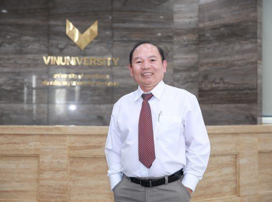 GS. Huỳnh Đình Chiến (Viện Khoa học Sức Khoẻ, trường Đại học VinUni). (Ảnh: VinUni)