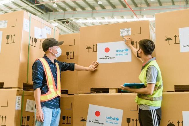 Tủ lạnh bảo quản vaccine do Nhật Bản tài trợ cho Việt Nam thông qua UNICEF. Ảnh: UNICEF Việt Nam.