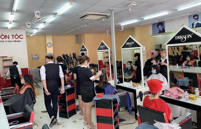 Một tiệm cắt tóc, gội đầu ở TP.Thủ Đức. Ảnh:top10thuduc