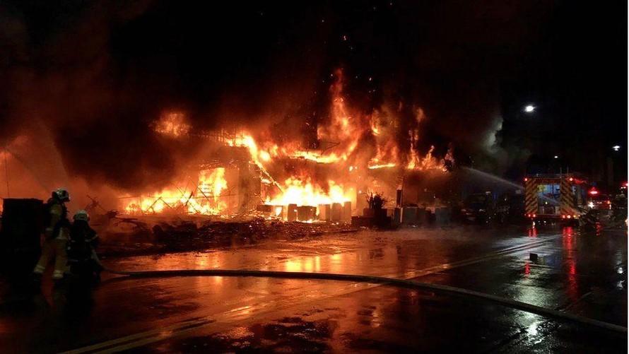 Hiện trường vụ cháy. (Ảnh: BBC)