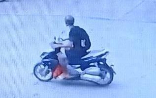 Hình ảnh tên cướp được camera an ninh ghi lại. Ảnh: Công an cung cấp.