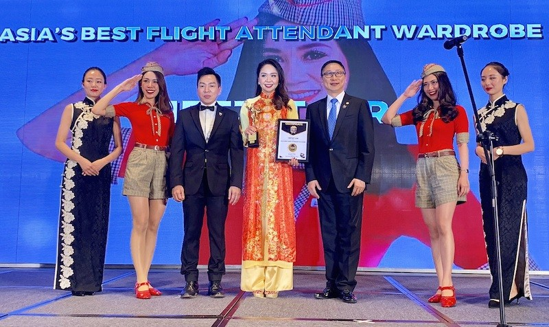 """Vietjet được vinh danh giải thưởng """"Đồng phục tiếp viên đẹp nhất Châu Á"""""""