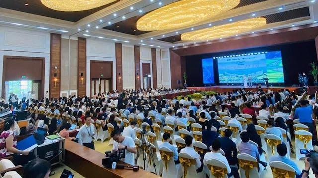 """Hơn 700 đại biểu, đại diện cho các cơ quan quản lý nhà nước, các địa phương cùng doanh nghiệp tham gia Hội nghị """"thời điểm vàng khám phá vẻ đẹp Việt"""""""