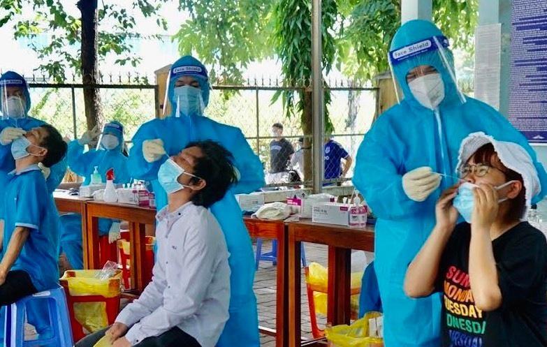 Bộ Y tế đã có hướng dẫn tất cả các đơn vị triển khai thần tốc xét nghiệm trên diện rộng.