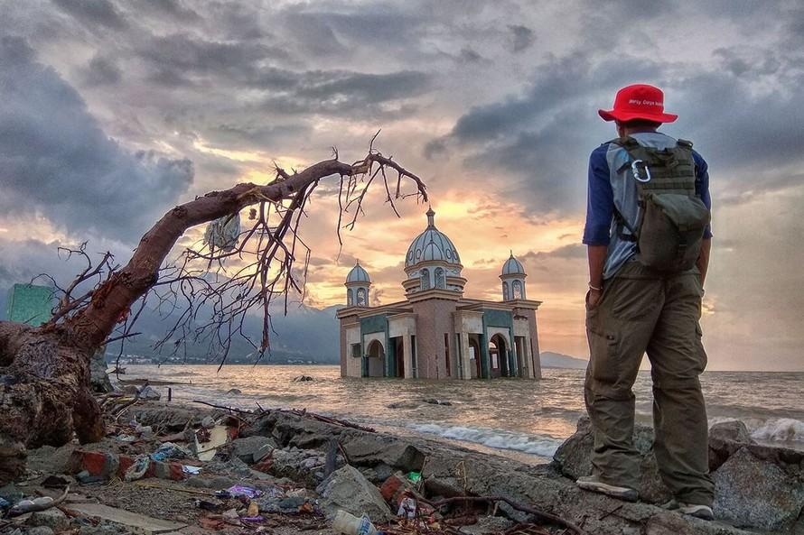 Sóng thần ập vào Bali ở thời điểm cuối năm 2018.