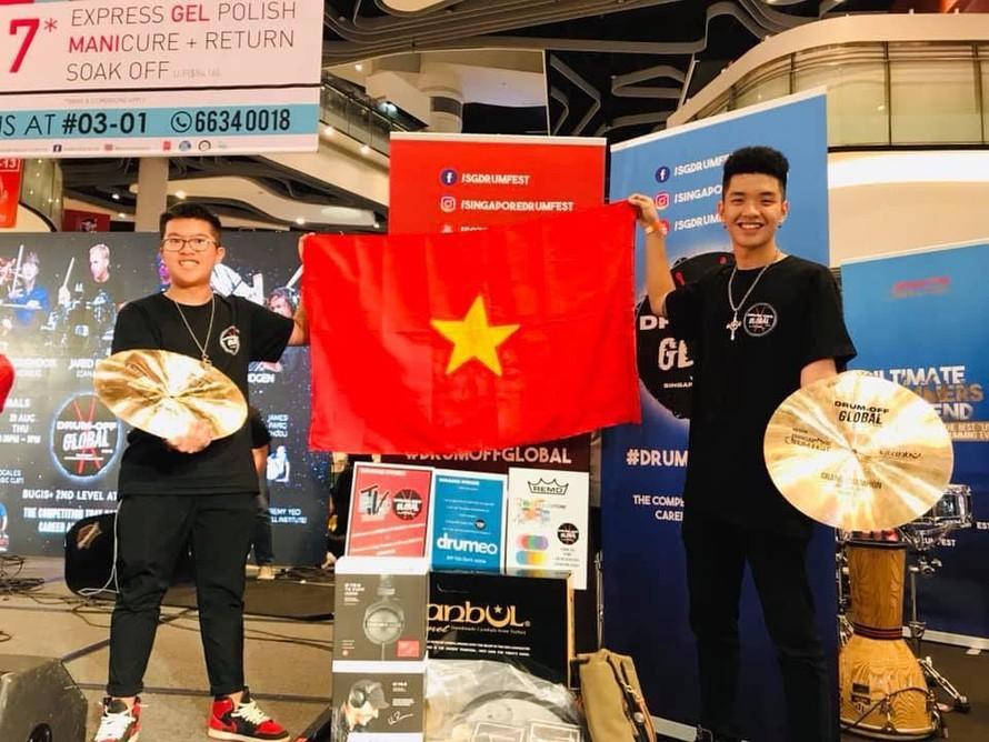 Nguyễn Đức Minh Dương và Phạm Duy Anh xuất sắc đoạt giải quán quân cuộc thi Drum Off Global 2019.