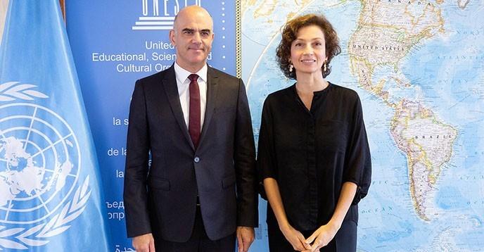 Ông Alain Berset và Bà Audrey Azoulay tại Paris (Ảnh: Christelle ALIX).